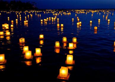 صور شموع حزينة جداً فوق الماء Sad Candles Photos On Water-عالم الصور
