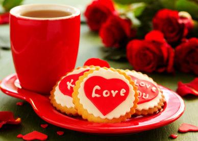 احلى فنجان قهوة الصباح مع قلوب الحب-عالم الصور