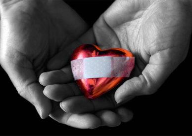 اجمل صور قلوب حب حزينة جداً -عالم الصور