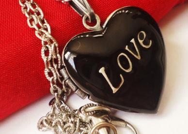 رمزيات حب وغرام قلوب Love-عالم الصور