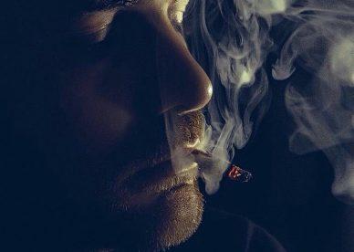 صور شباب تدخين - عالم الصور